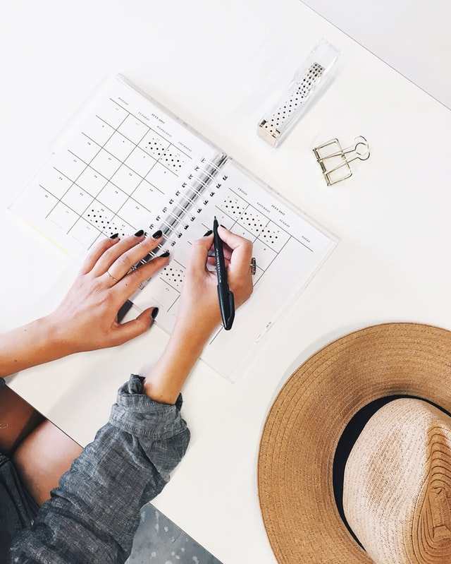 habits you need to stop: Build a side hustle